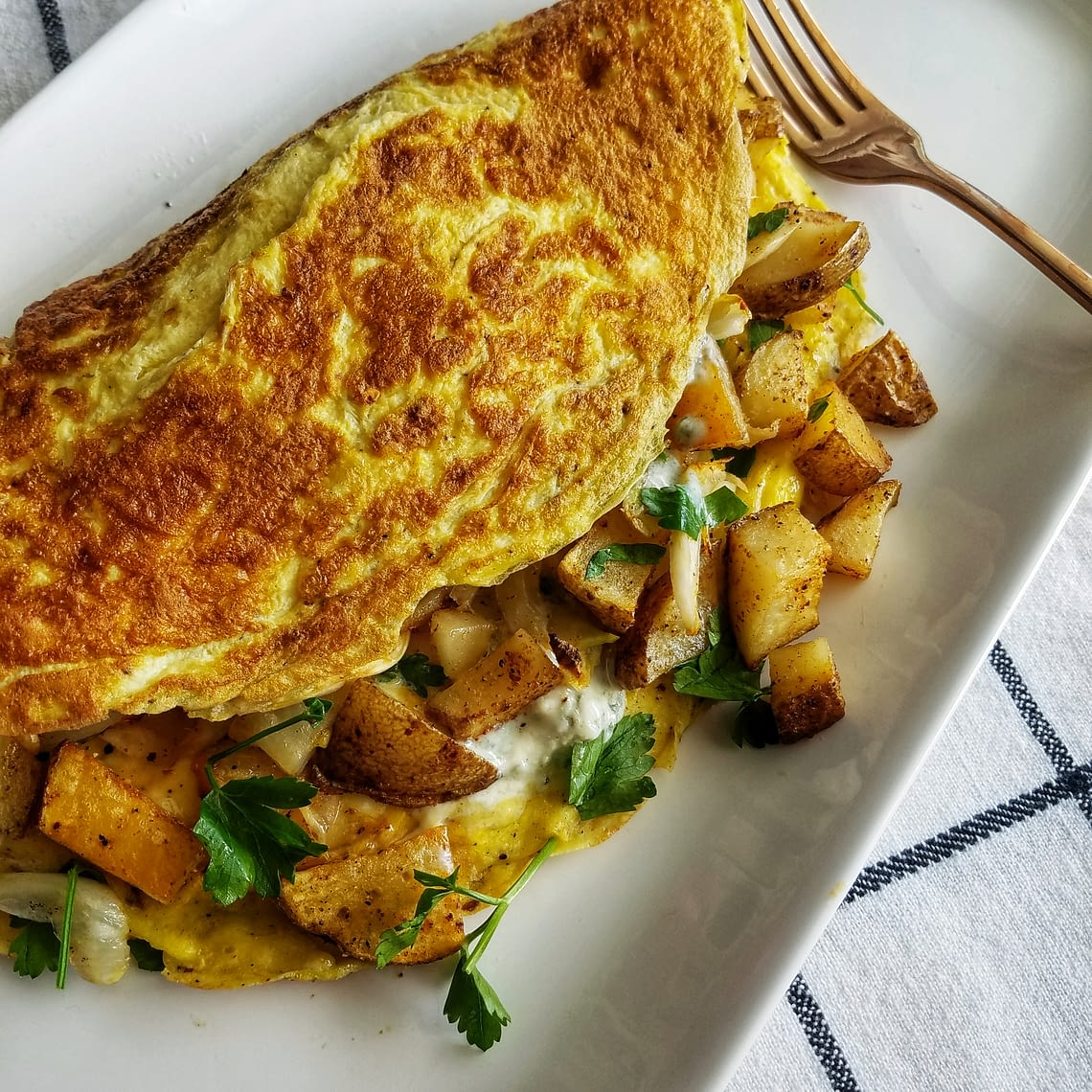potato and fennel omelet with blue cheese by mandyolive.com. 30 minute meals, breakfast for dinner, brunch ideas, weeknight meals,