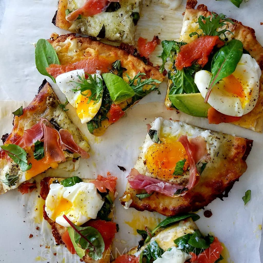 Easy breakfast idea with smoked salmon and poached eggs