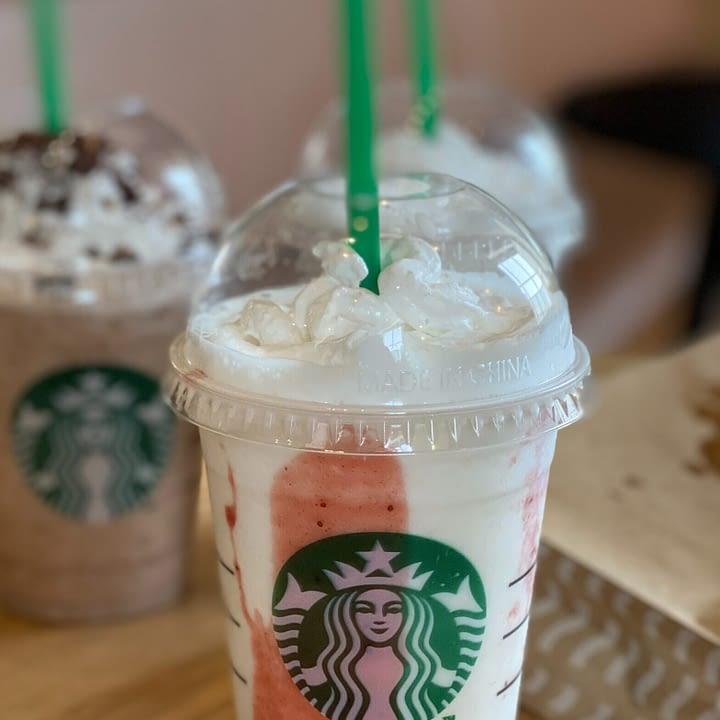 picture of starbucks strawberry funnel cake frappuccino recipe