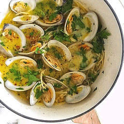SAUCY CLAM PASTA RECIPE MANDYOLIVE.COM