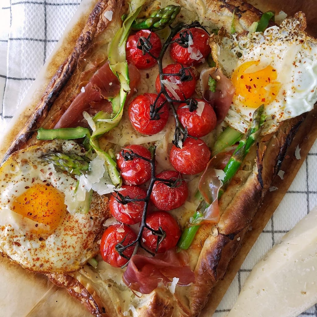 30 minute simple tomato tart. | galette cherry tomatoes shaved asparagus fried eggs puff pastry